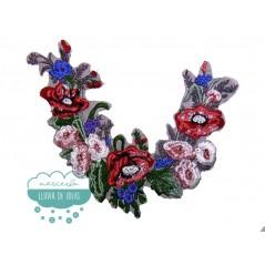 Aplicación bordada tipo cuello - Serie Pilar