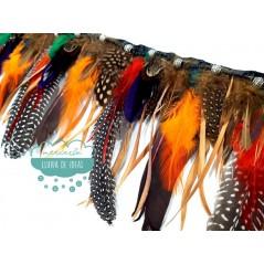 Fleco de plumas de colores con abalorios