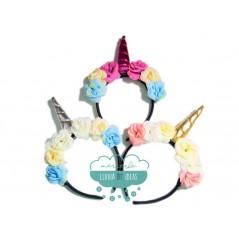 Diadema unicornio con flores