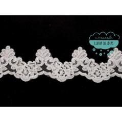 Galón bordado de flores con lentejuelas - Serie Daniela
