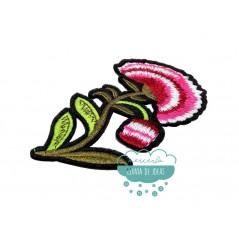Parche bordado termoadhesivo - Flor fucsia - Serie clavel